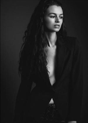 Olivia_GorgeousGroup7